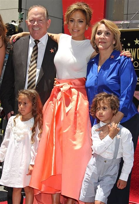 Jennifer Lopez Family Tree Father, Mother Name Pictures